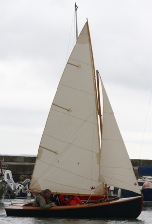 14 5 Iain Oughtred Gunter Rigged Sailing Dinghy Anna